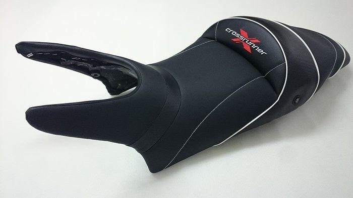 Lolop manes tapizar asientos de moto tapiceria de la moto for Tapiceria de asientos de moto