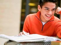 Estudios y trabajos