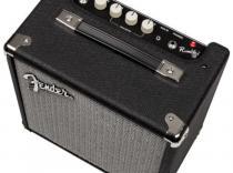 Amplificador FENDER Rumble 15 para bajo.