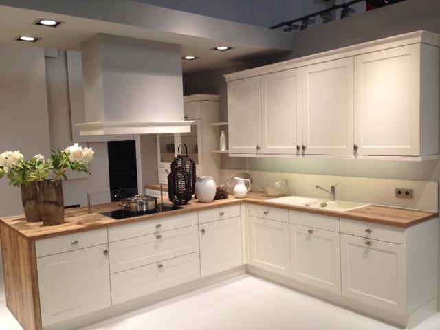 Muebles de cocina Tonos claros y sencillez