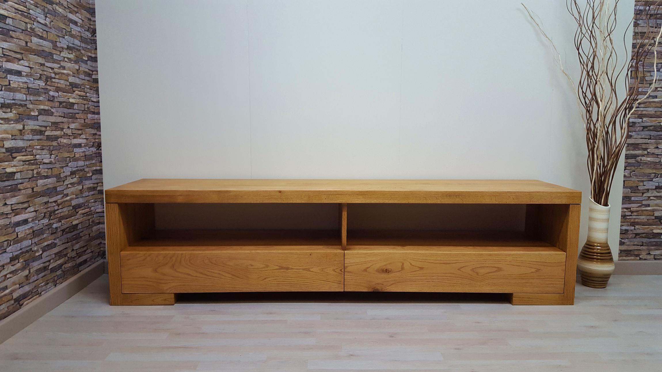 Muebles de TV en roble