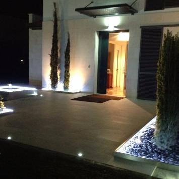 Iluminaci n jardin exterior - Iluminacion led jardin ...