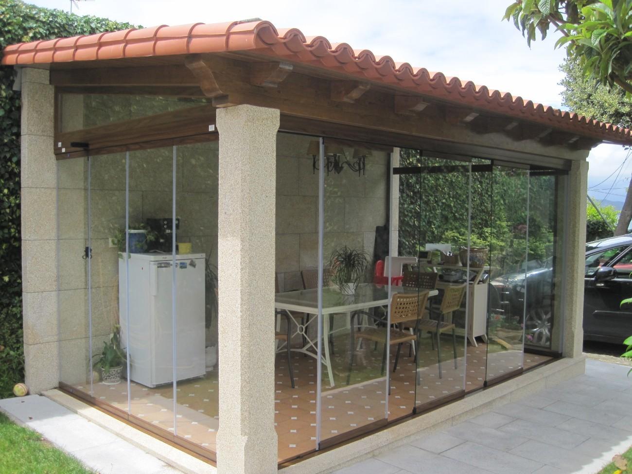 Xanela glass cortinas de cristal seeglass en galicia - Hacer un porche ...