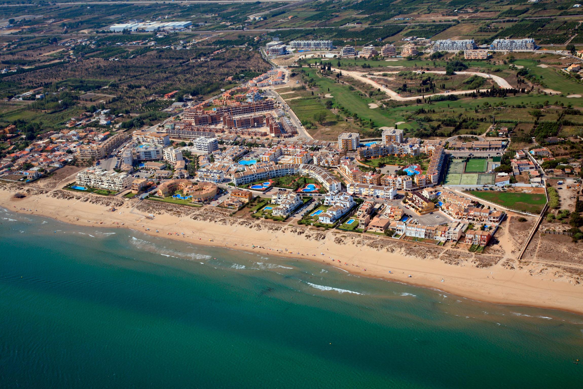 San fernando multiservicios urbanizaci n complejo tur stico oliva valencia - Alquiler de apartamentos en oliva playa ...