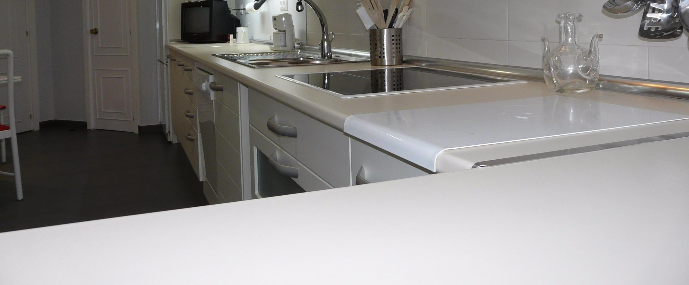 Piedra para cocina el brillo y el aspecto de una encimera for Encimeras de cocina formica precios