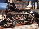 Carruaje antiguo de madera