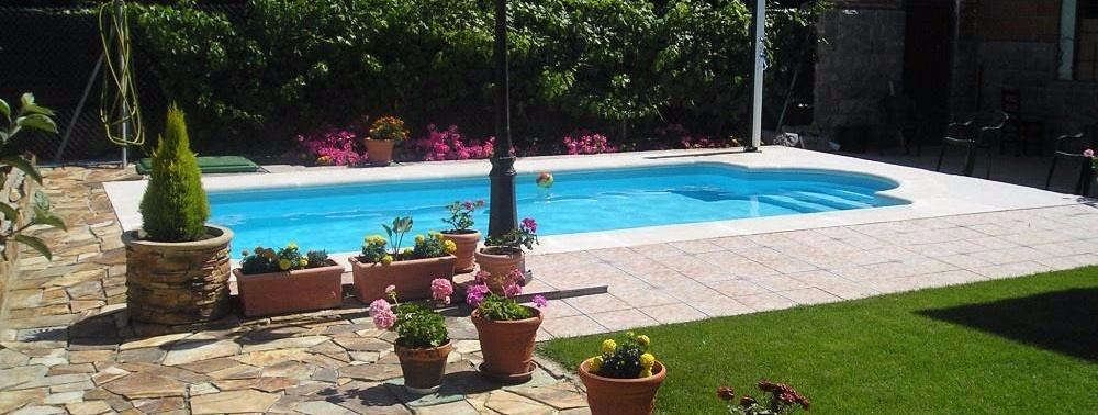 Piscinas fegran for Fabricantes piscinas poliester