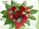 Ramo de rosas con verdes