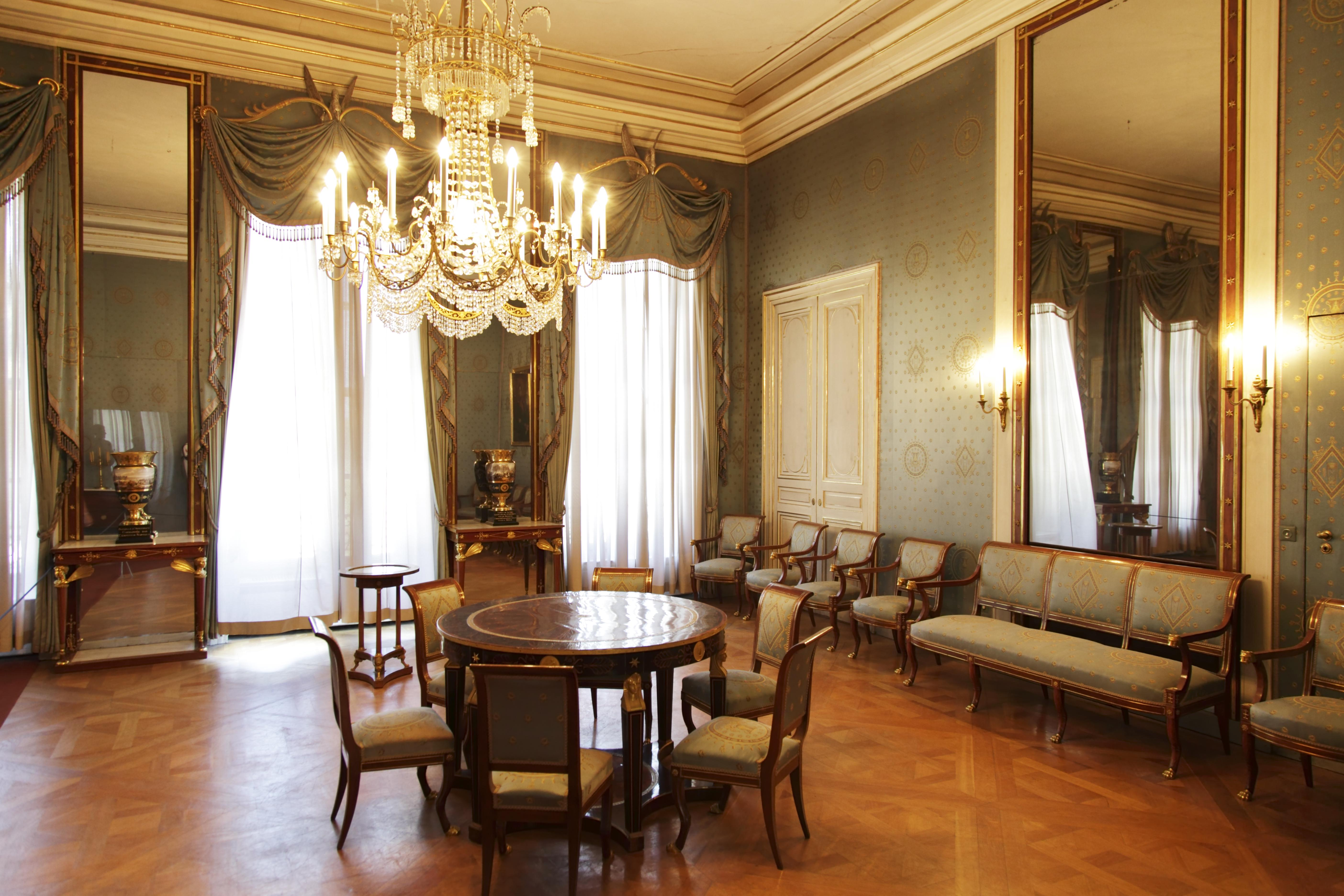 Decoraci n de interiores en valladolid for Titulo decorador de interiores